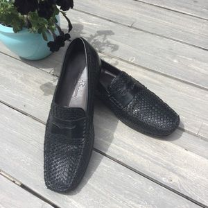 Tommy Bahama woven leather loafers